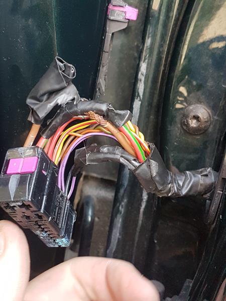 Broken door wire on Audi A3