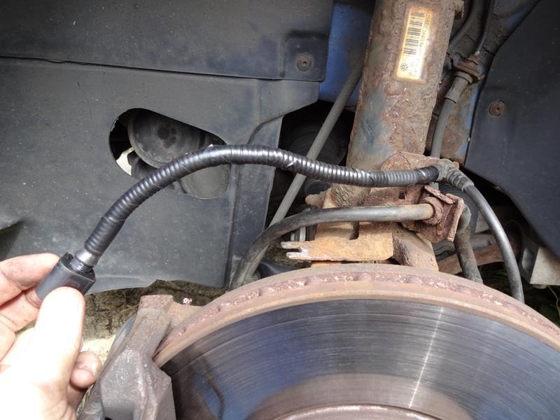 Volkswagen Golf MK5 - ABS Sensor / Brake Pad Sensor Repair
