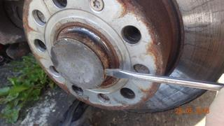 Replacing the rear wheel bearing on my VW Golf MK5